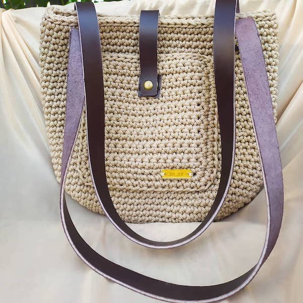 Big bag with leather straps